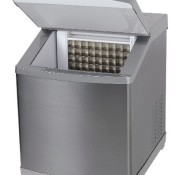 BETEC Eiswürfelbereiter / Eiswürfelmaschine